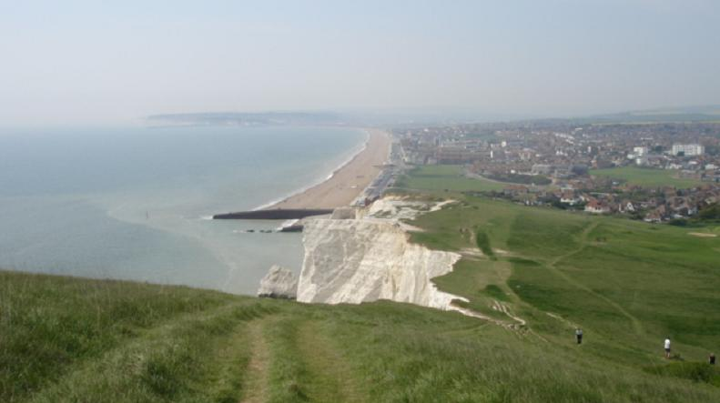 Seaford_Cliff_&_Beach_East_Sussex,_viewed_from_Seaford_Head_(May_2006)
