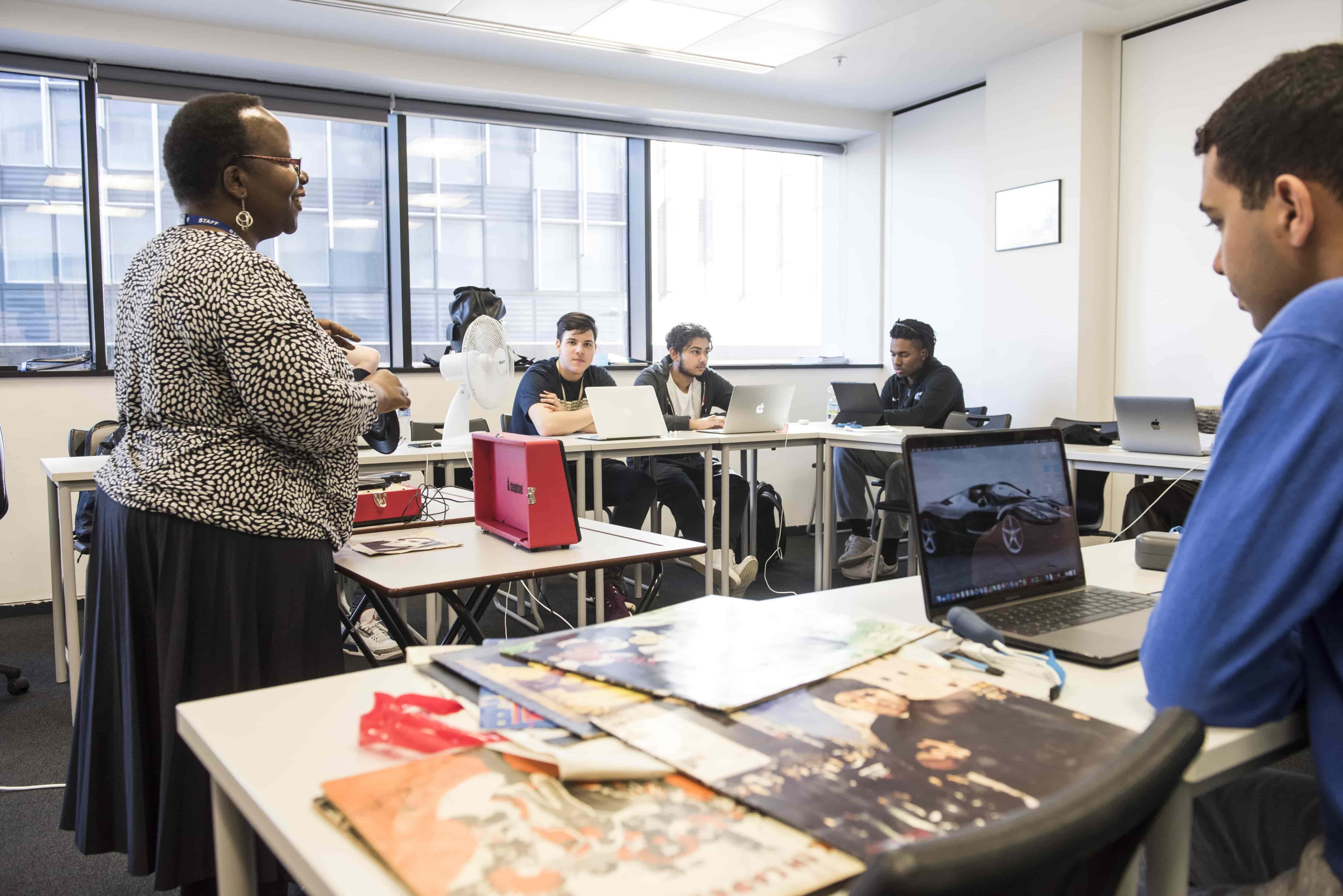 Classroom 2 - Business class-min
