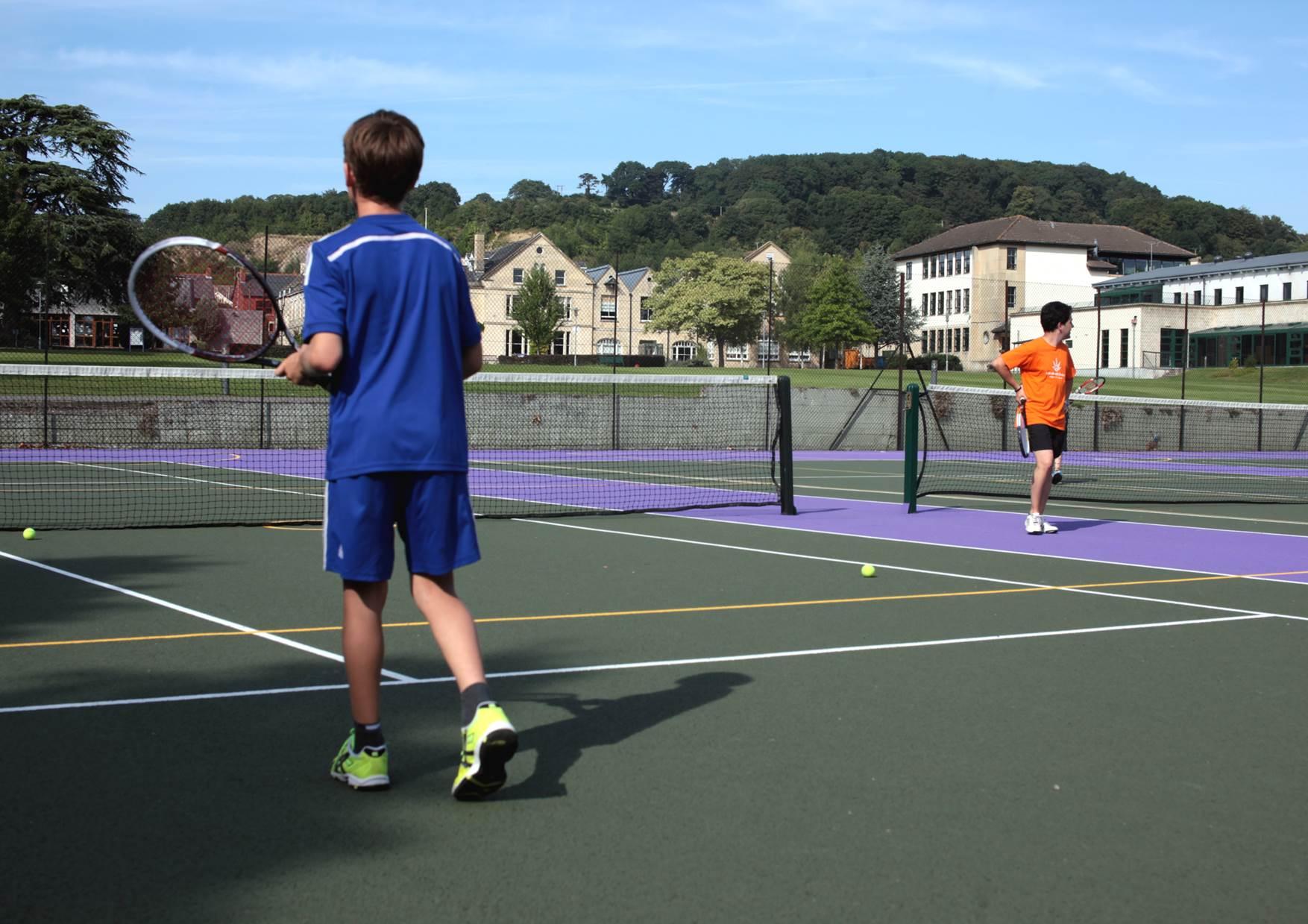 027. Tennis