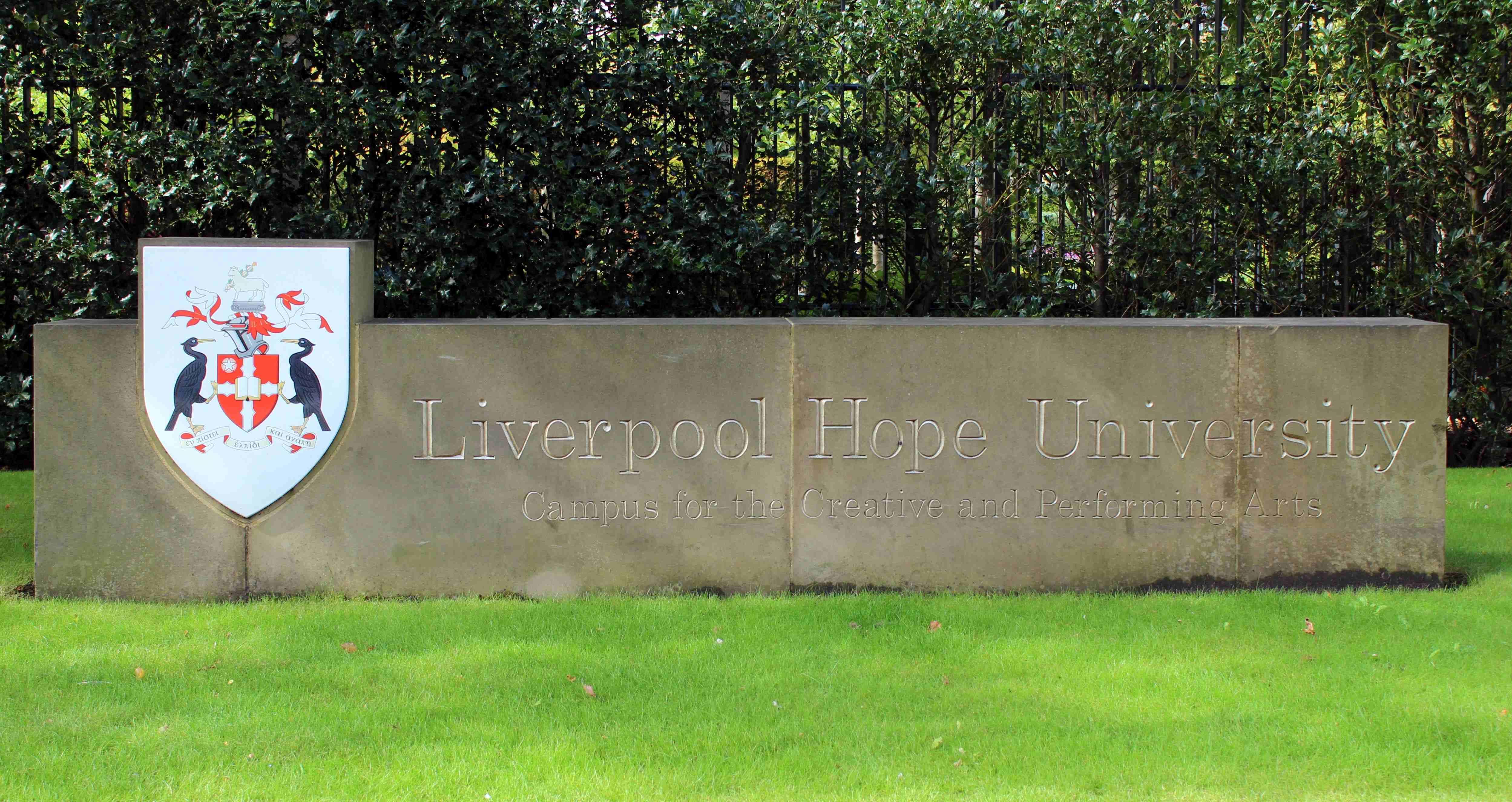 Liverpool_Hope_University_sign,_Shaw_Street