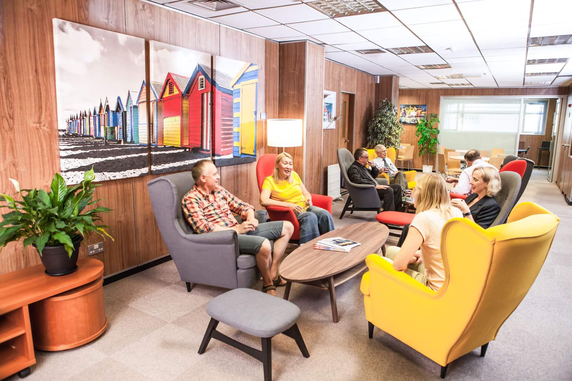 Executive Lounge-min