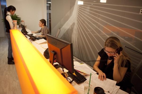 front_desk_2